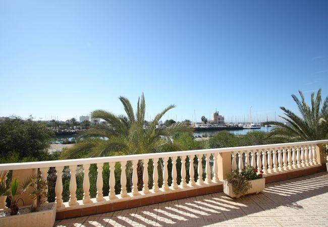 Apartamento en La Manga del Mar Menor - Encantador bajo con amplia terraza y vistas