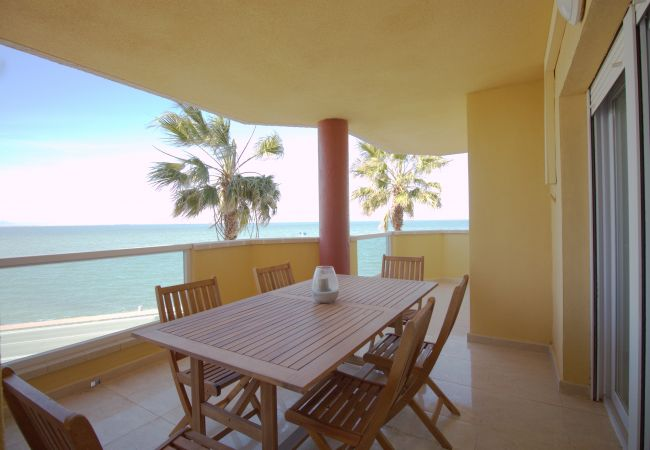 Apartment in La Manga del Mar Menor - New three bedroom front line with impressive sea views