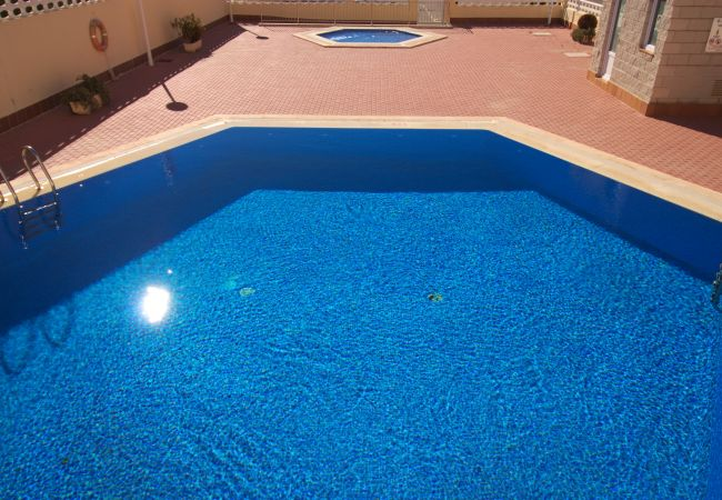 Apartment in La Manga del Mar Menor - Modern one bedroom only 50m from the beach