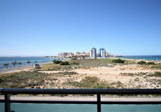 Apartment in La Manga del Mar Menor - Bright one bedroom apartment front line to both seas